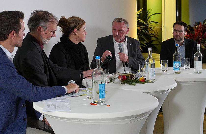Podiumsdiskussion in Düsseldorf