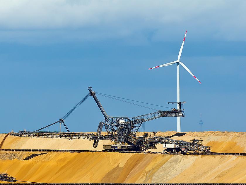 Am Braunkohletagebau Garzweiler wird es wohl noch viele Jahre dauern, bis die Kohle-Dominanz gebrochen ist